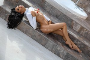 Maria-mercedes outcall escort