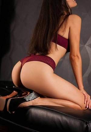Hajer outcall escorts in Lyndhurst